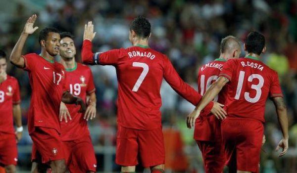 Португалия сыграет с голландцами